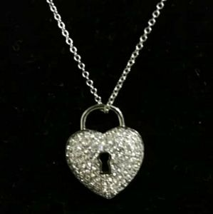 Jewelry - Sterling silver heart key hole and 19in chain